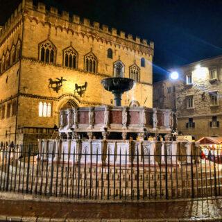 Fontana Maggiore E Palazzo Dei Priori