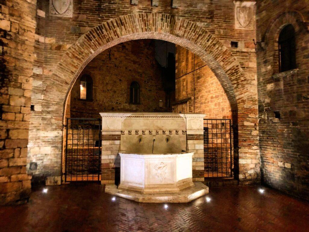 Fontana Via Maestà delle Volte