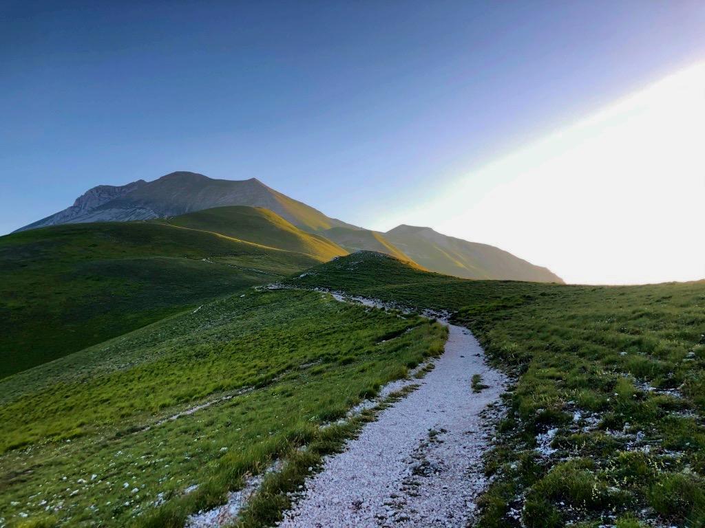 Le prime luci sul Monte Vettore