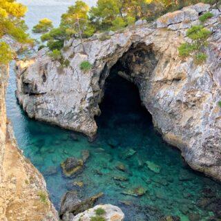 Grotta Delle Viole