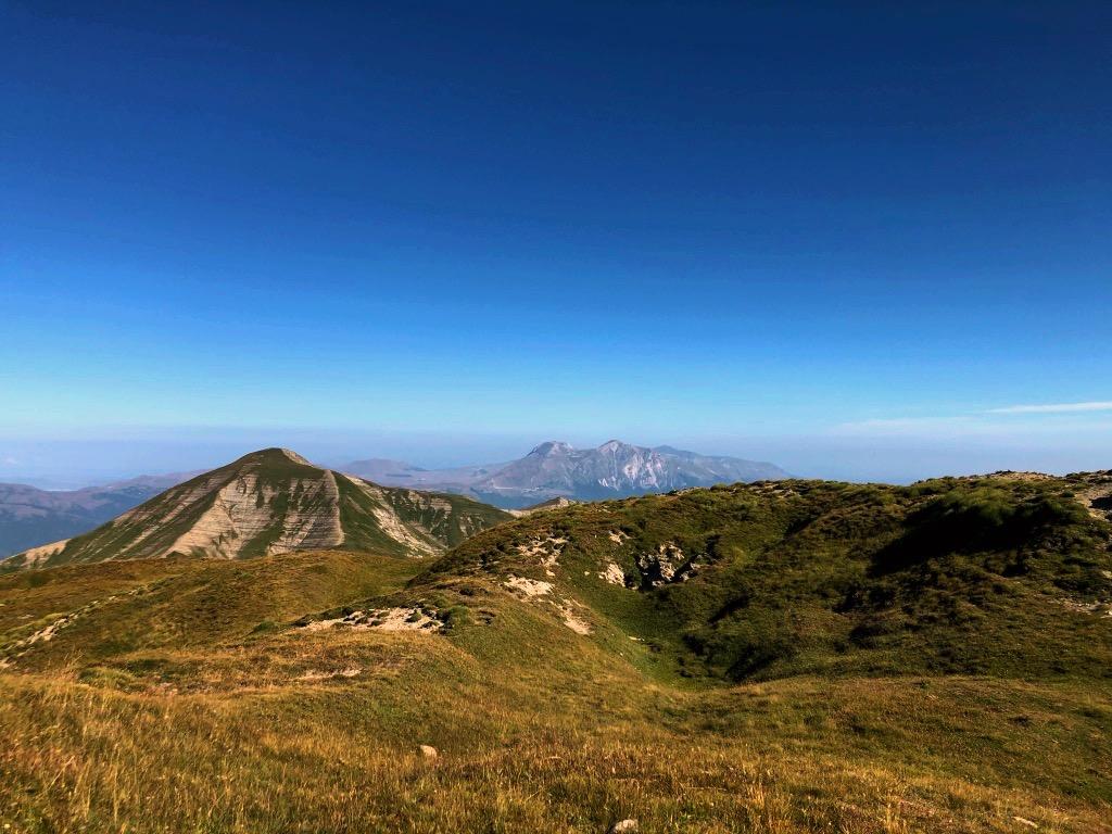I Monti Sibillini sullo sfondo